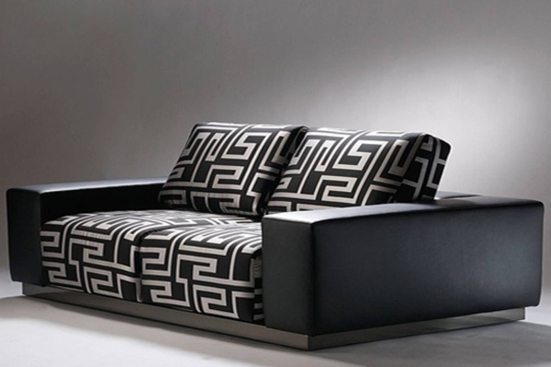Pleasant Versace Sofa Collection For Your Living Room Home Reviews Uwap Interior Chair Design Uwaporg
