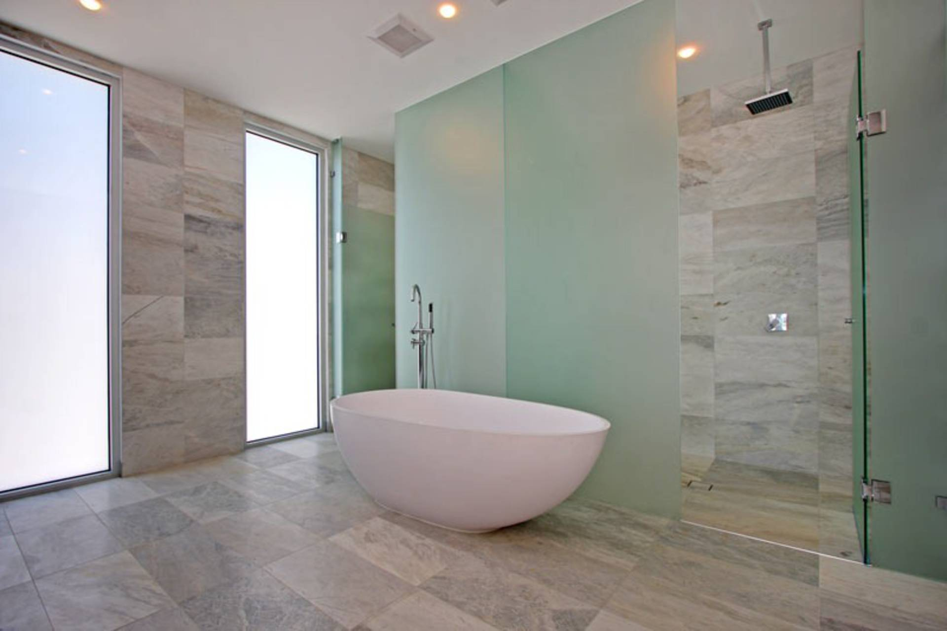 Luxury 36 clipper bay home home reviews for Best bathrooms in australia