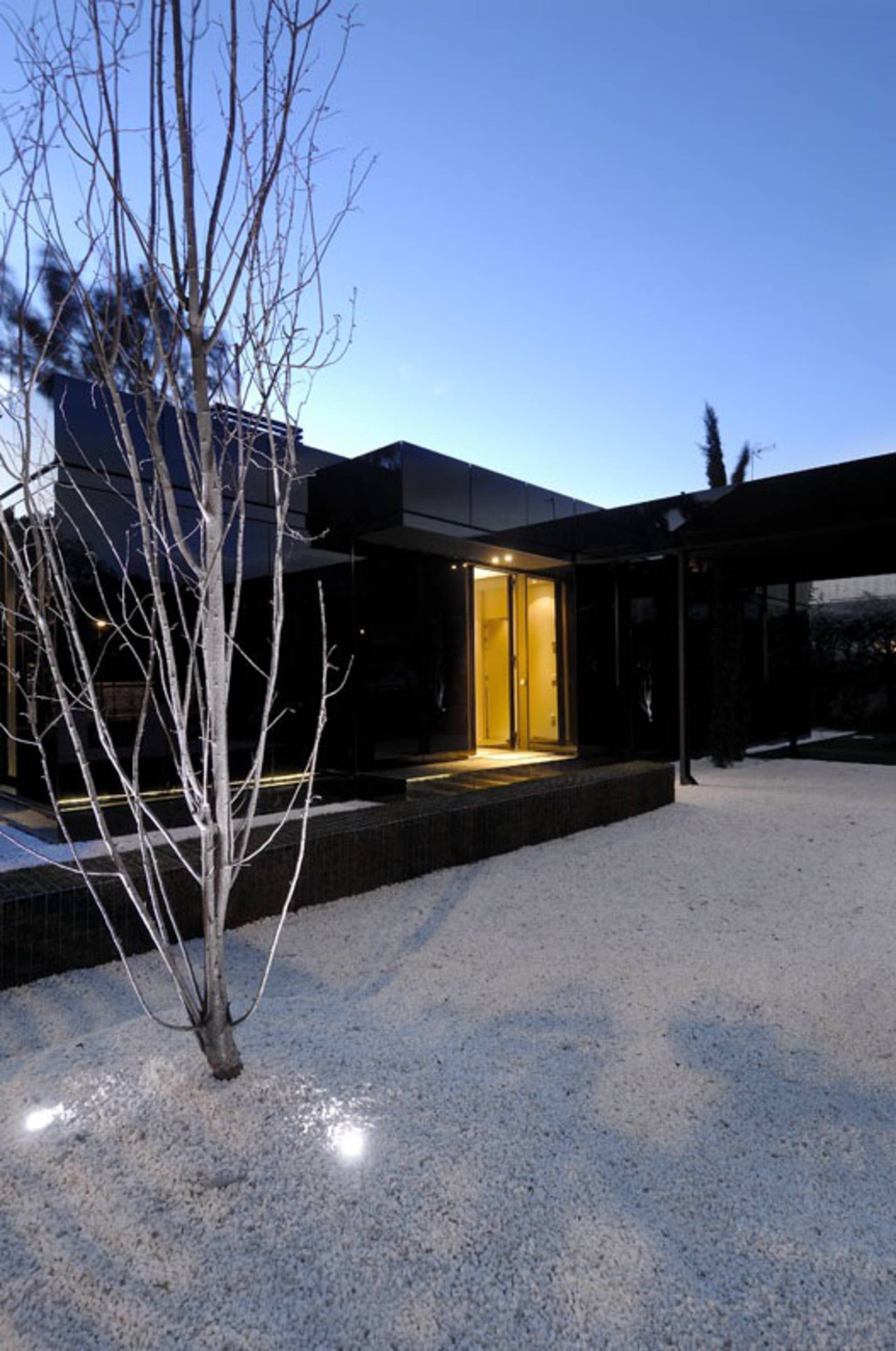 ... Contemporary Modular Black And White Houses By A Cero ...