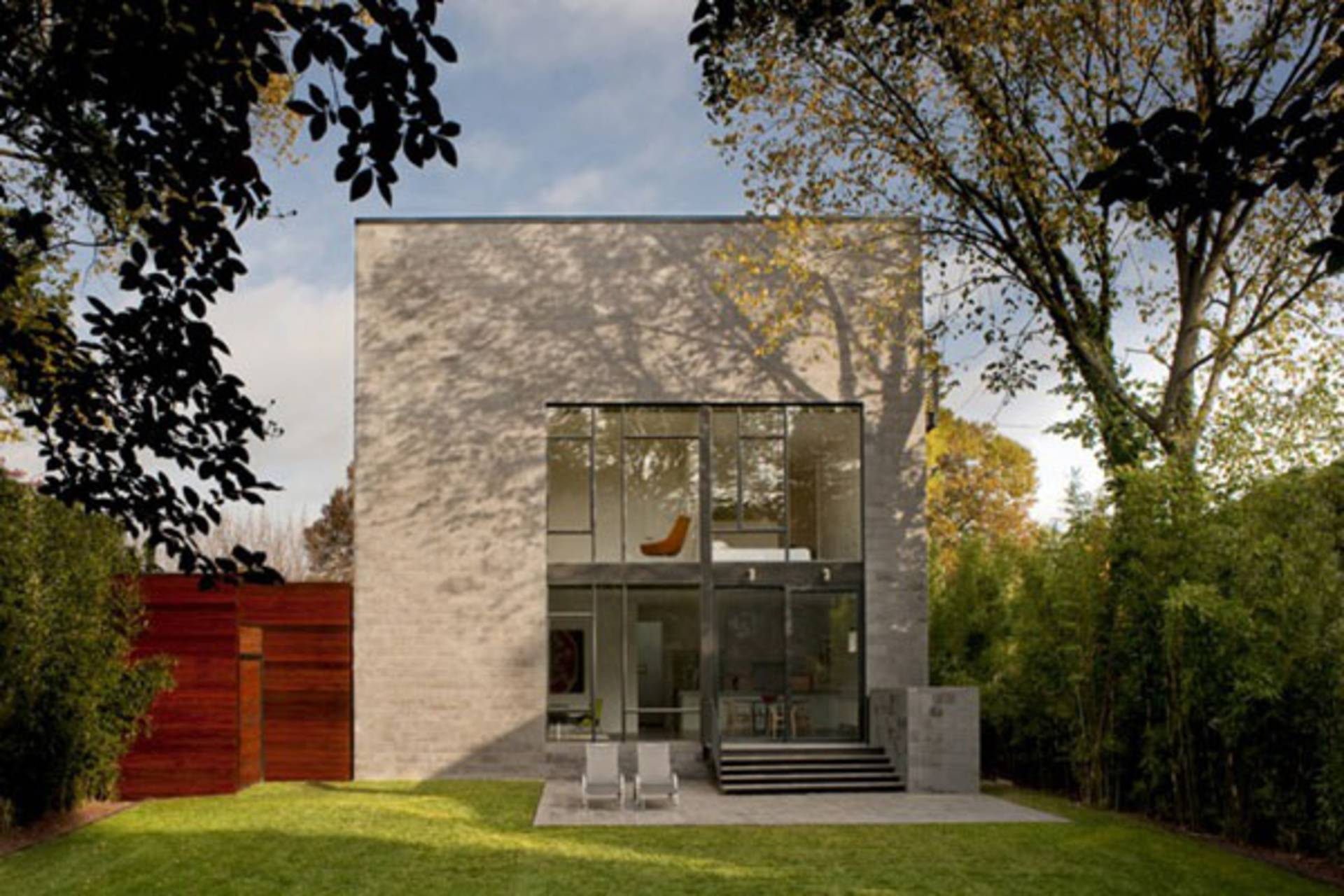 Efficient Cube-Shaped Home by Robert Gurney Architect