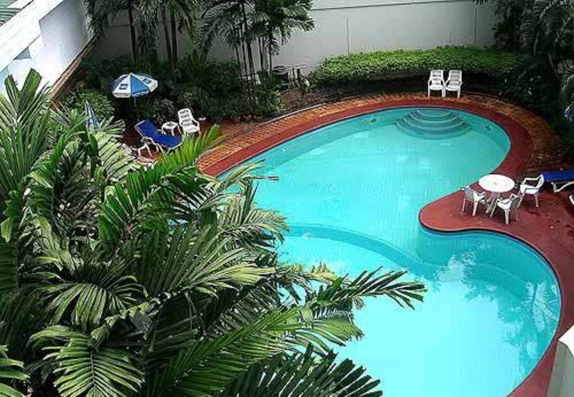 Charming ... Heart Shaped Pool: Its Owners Must Really Be In Love Ideas