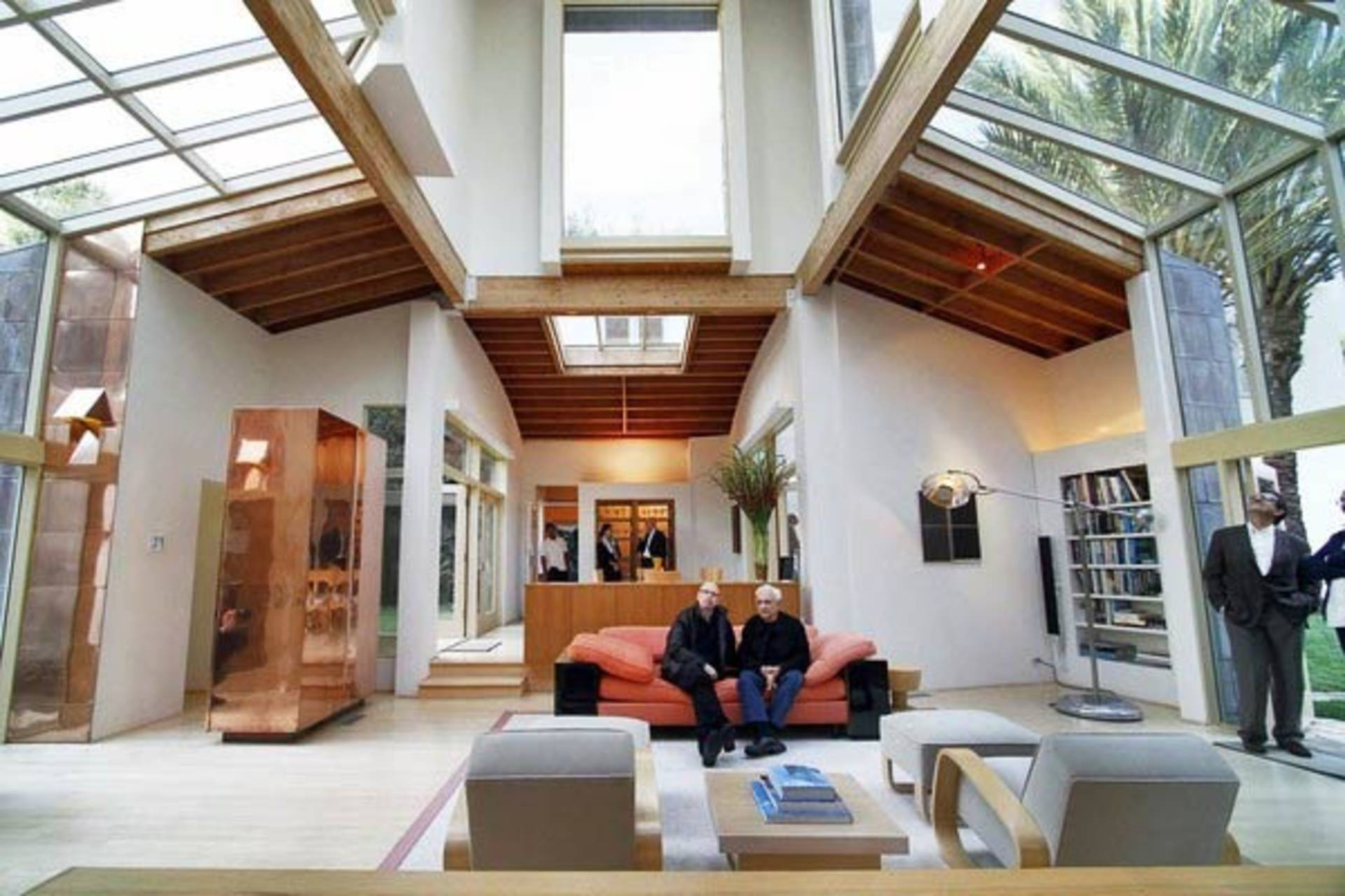 Gorgeous schnabel house by frank gehry home reviews for Whitespace architects careers