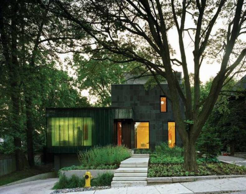 Eco-friendly Contemporary Cascade house in Toronto by Paul Raff