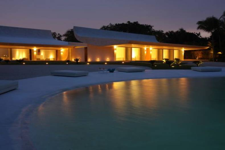 Exotic White Beach Residence in Dominican Republic by A-Cero
