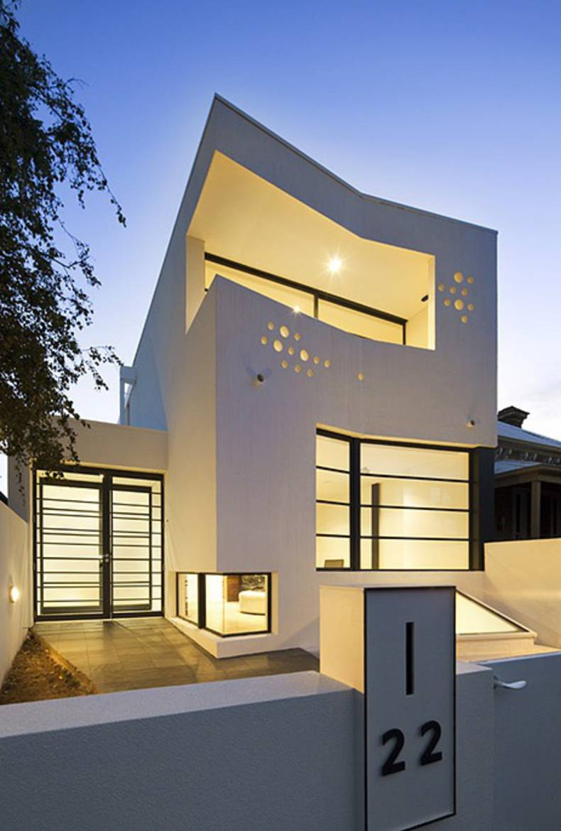 Unique Letterbox House In Australia By McBride Charles