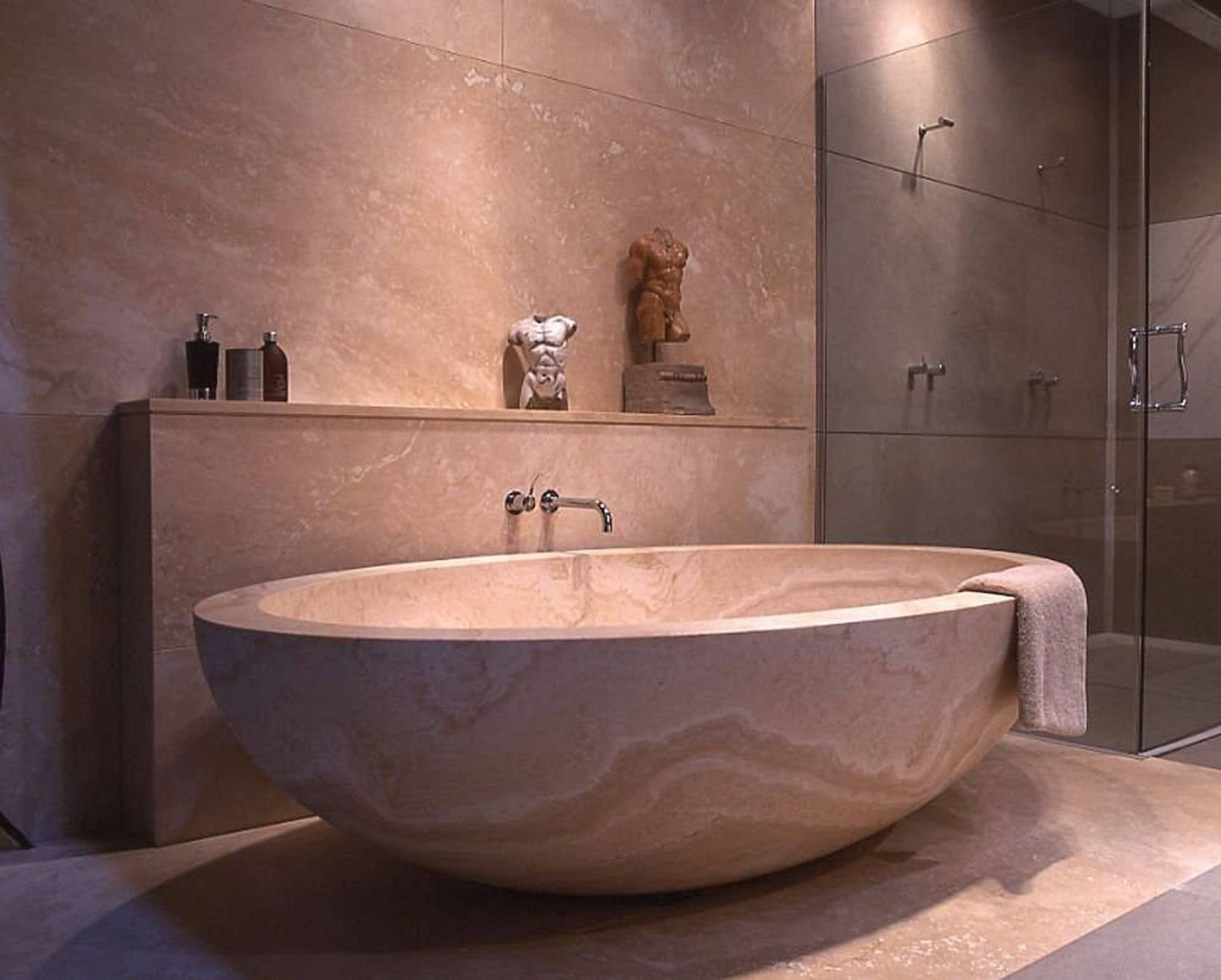 Natural bathtub by stone forest inspired by the japanese for Tub styles