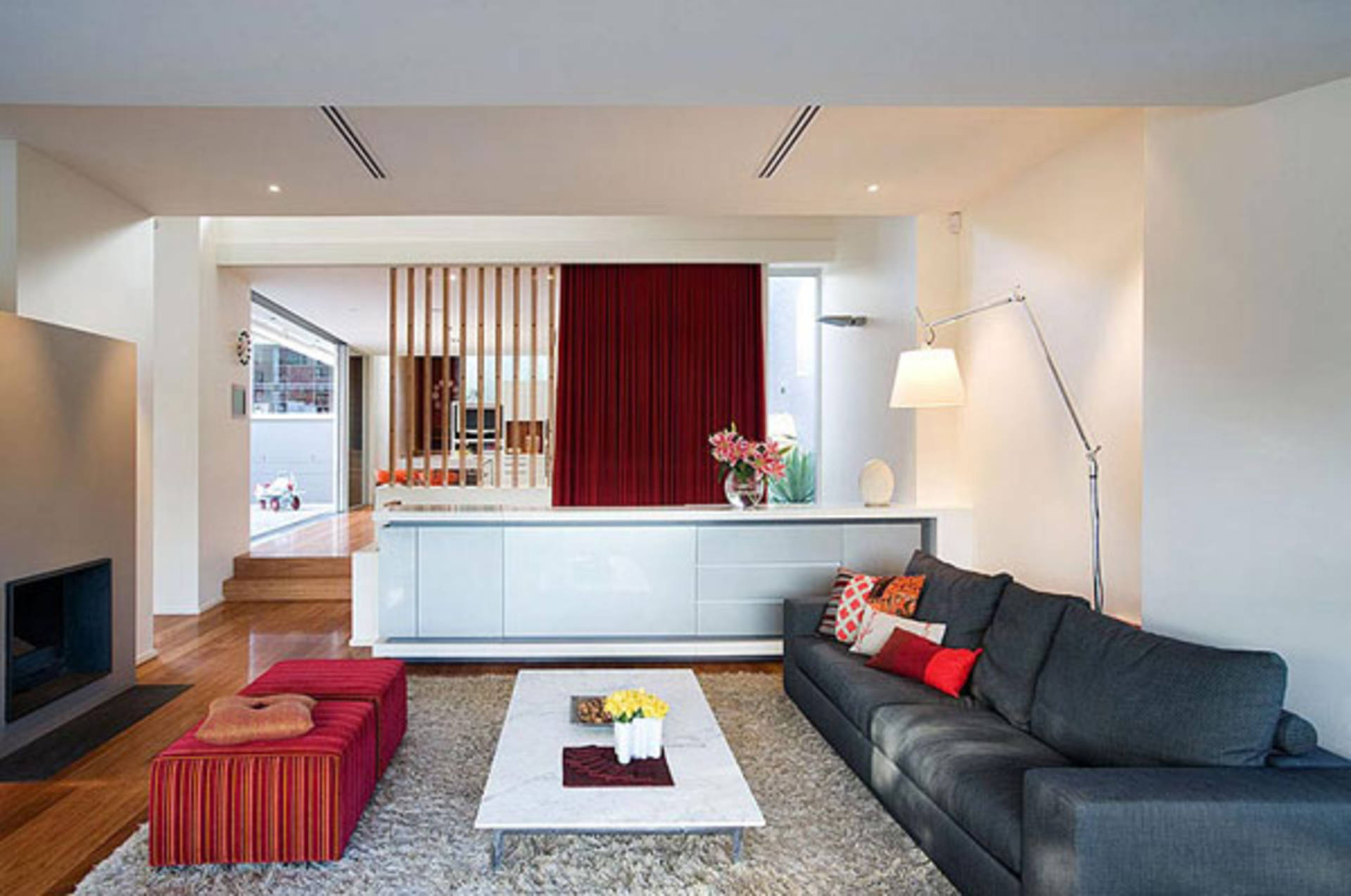 Beautiful hunters hill residence by stanic harding for Small living room designs in the philippines