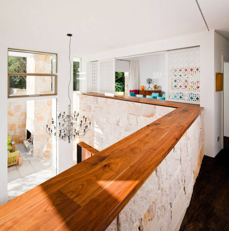 Welcoming House Design of Honiton Residence by MCK Architect