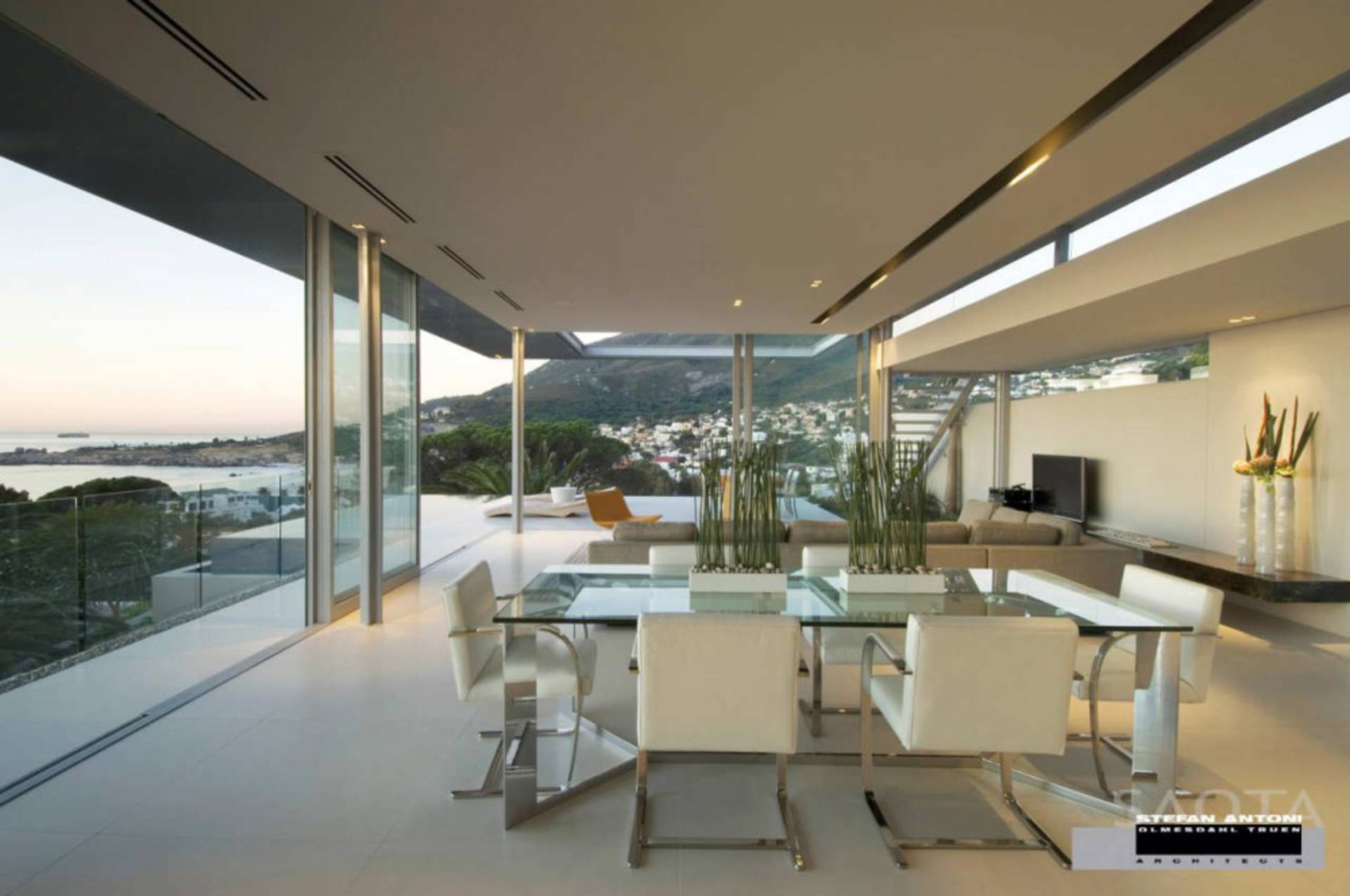 ... Breathtaking First Crescent House In South Africa ...