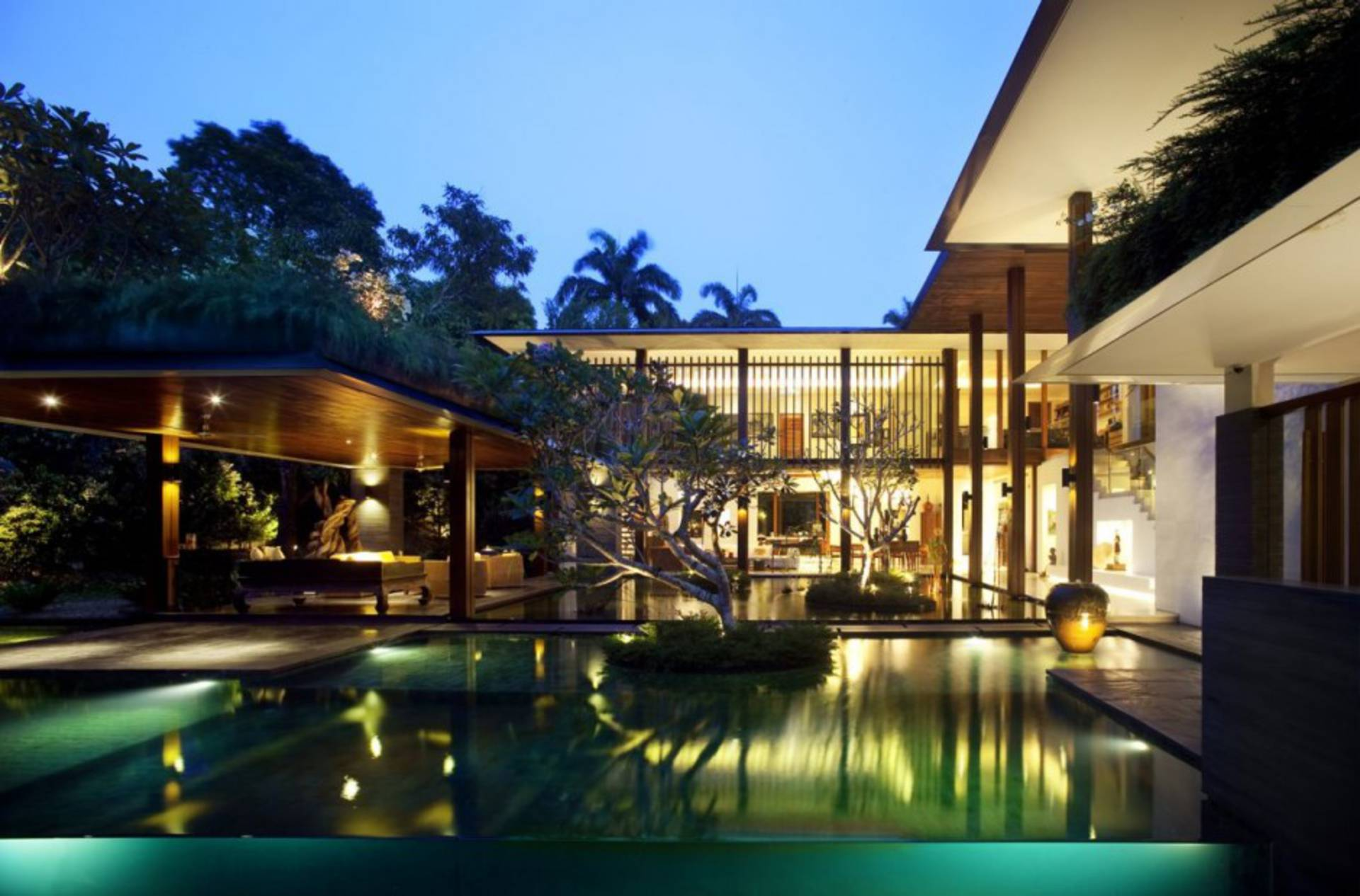 The sun house by guz architects home reviews for Willow house singapore