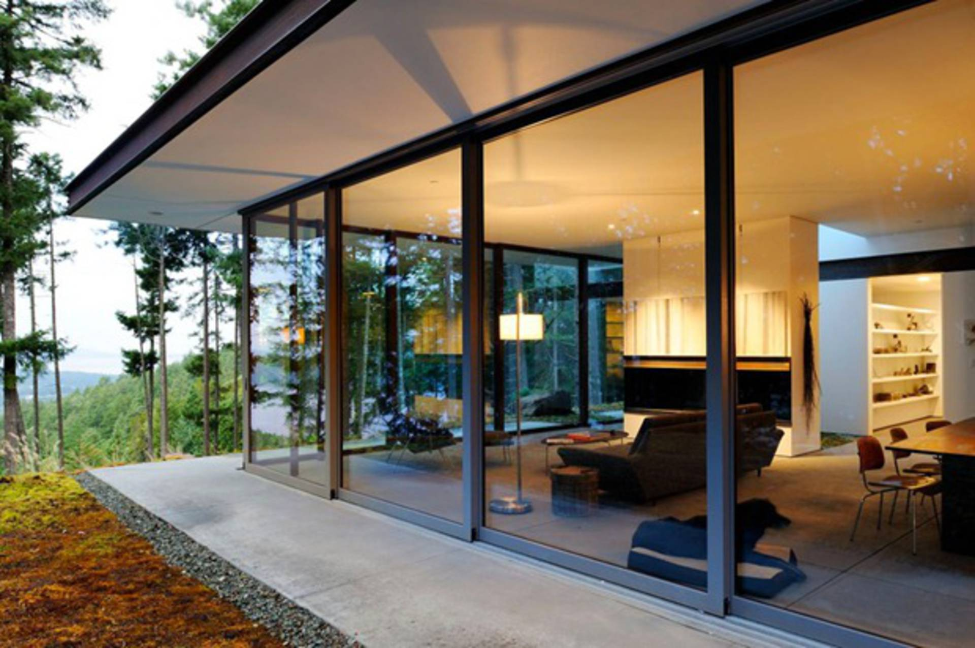 Eagle Ridge The Modern Residence Surrounded By Forest