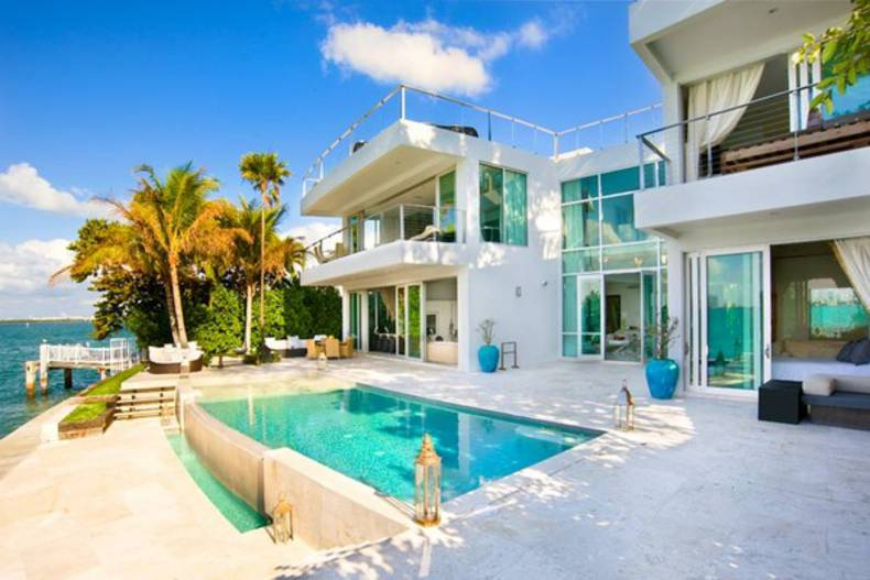 Luxury Villa Valentina for rent in Miami Beach