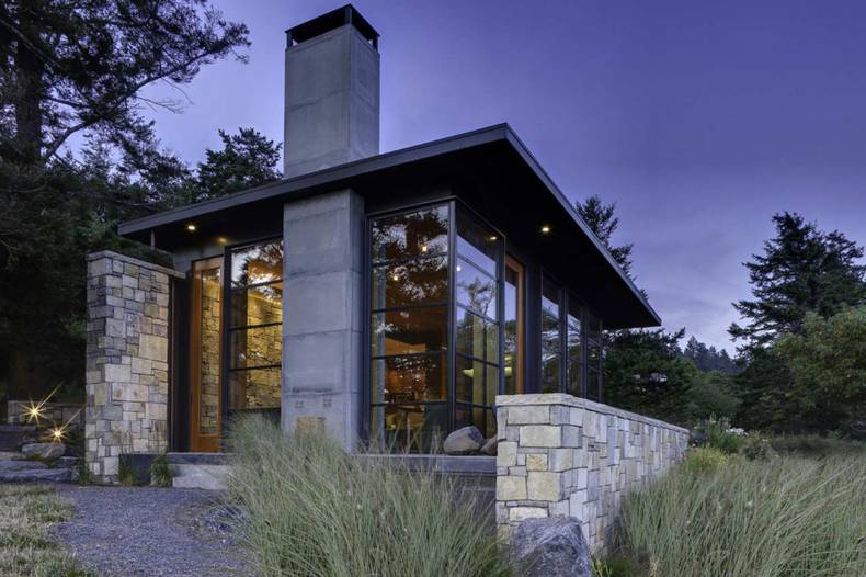 Contemporary and Classic House Design by Prentiss Architects