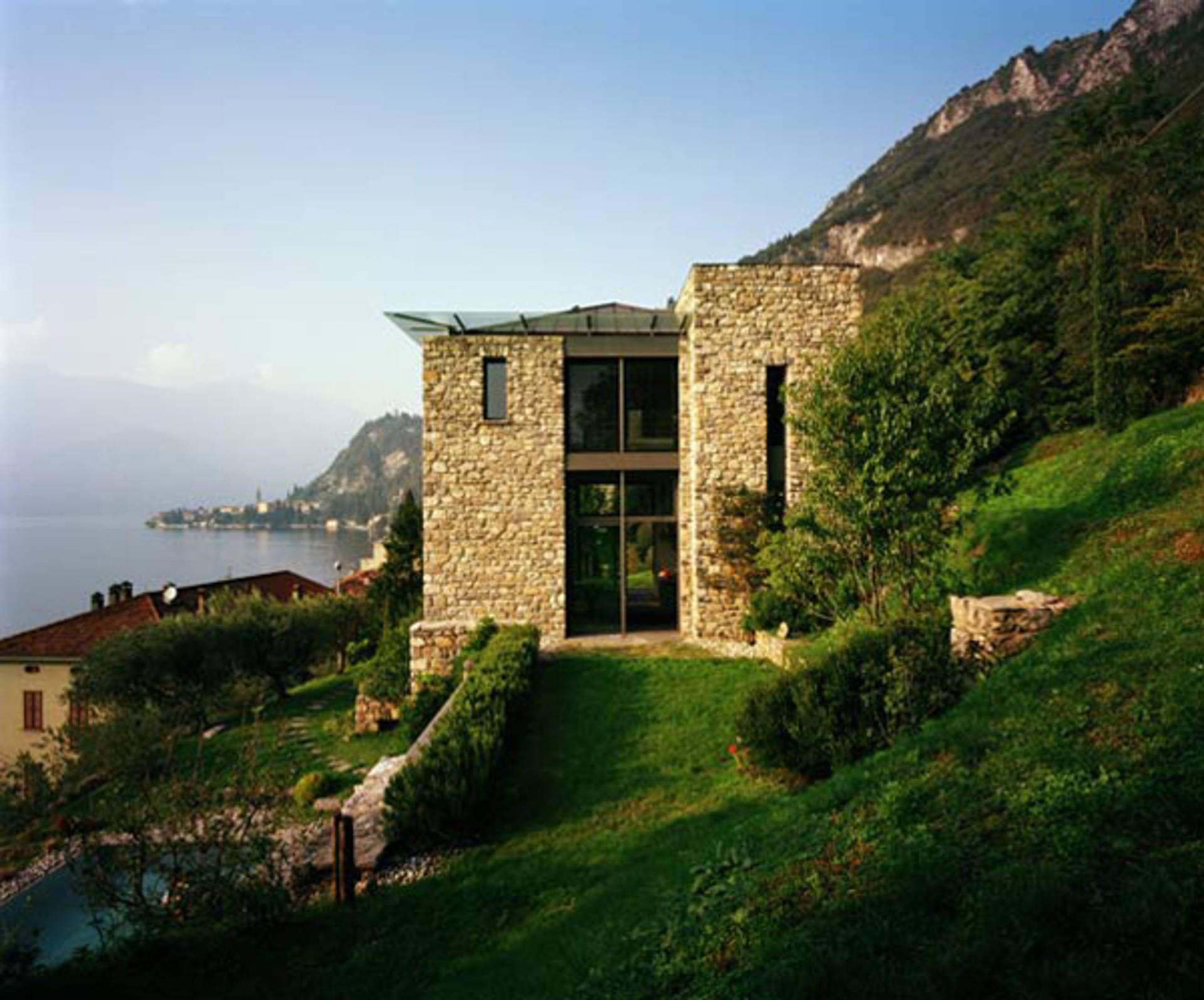 Italian stone house design on lake como home reviews for Stone house designs