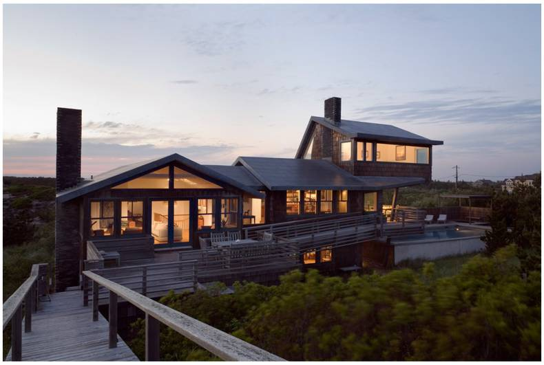Renovated Oceanfront Residence: Whaler\'s Lane by Rogers Marvel Architects