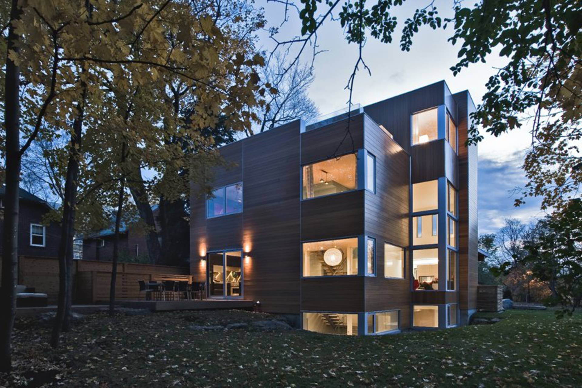 Modern and traditional lighthouse in ottawa by linebox for Modern image studios reviews