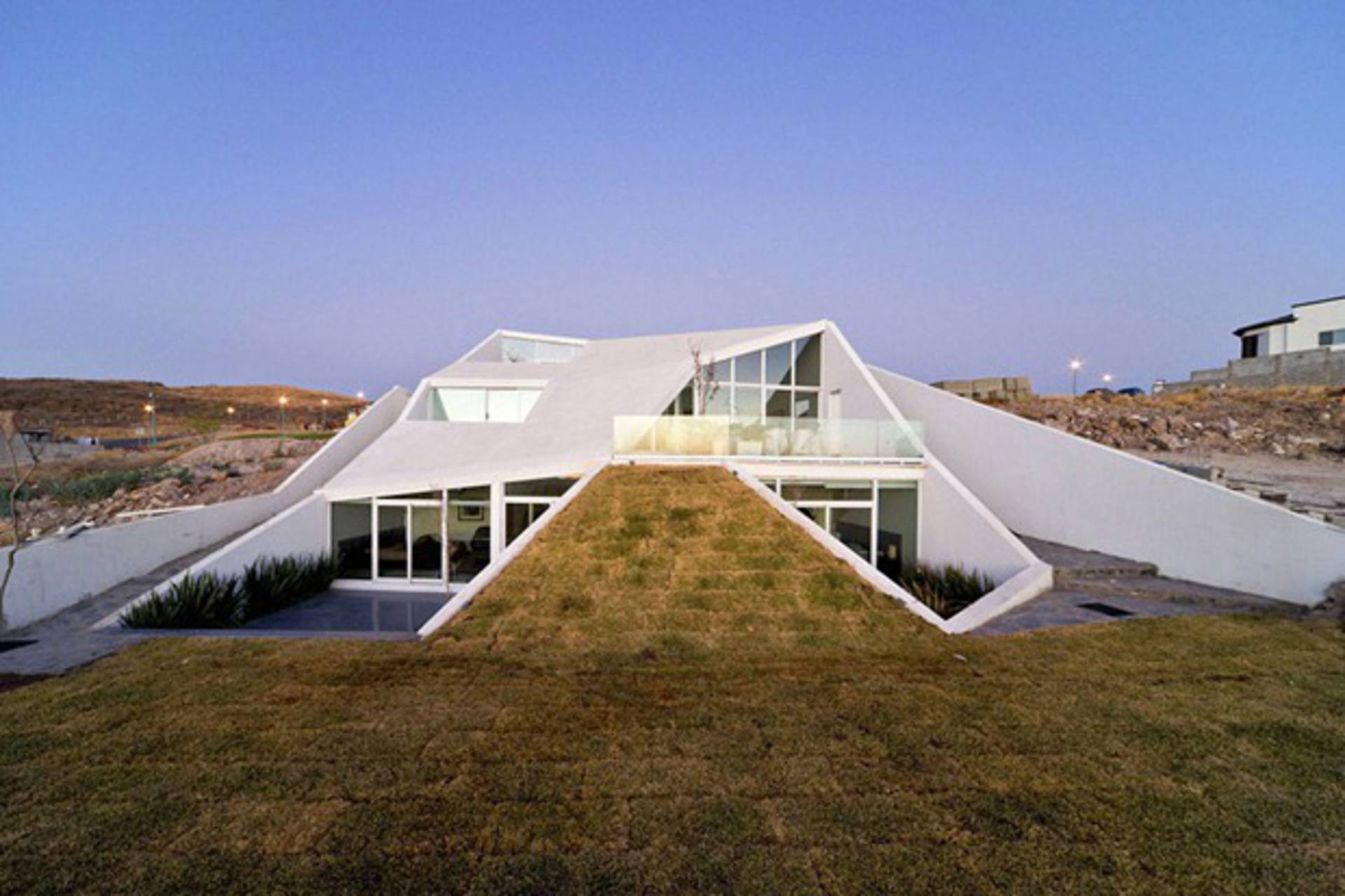 House in Chihuahua - interesting geometry and modern style - Home ...