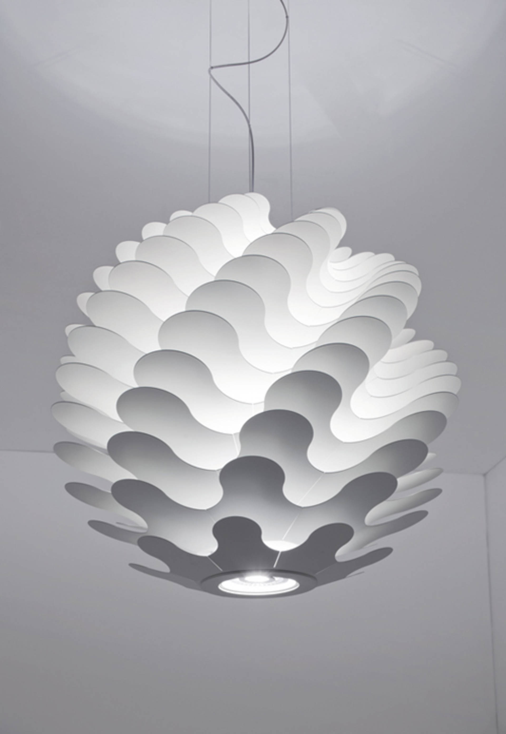 Libera Lamp from Lucente an Unusual Play of Light and Shadow