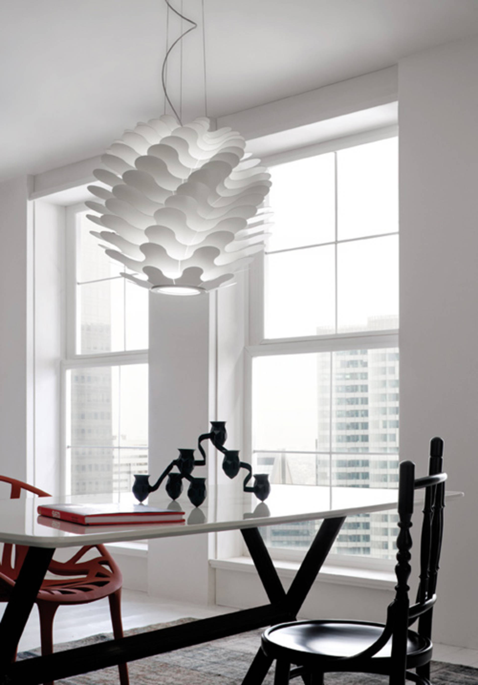 Libera Lamp From Lucente An Unusual Play Of Light And