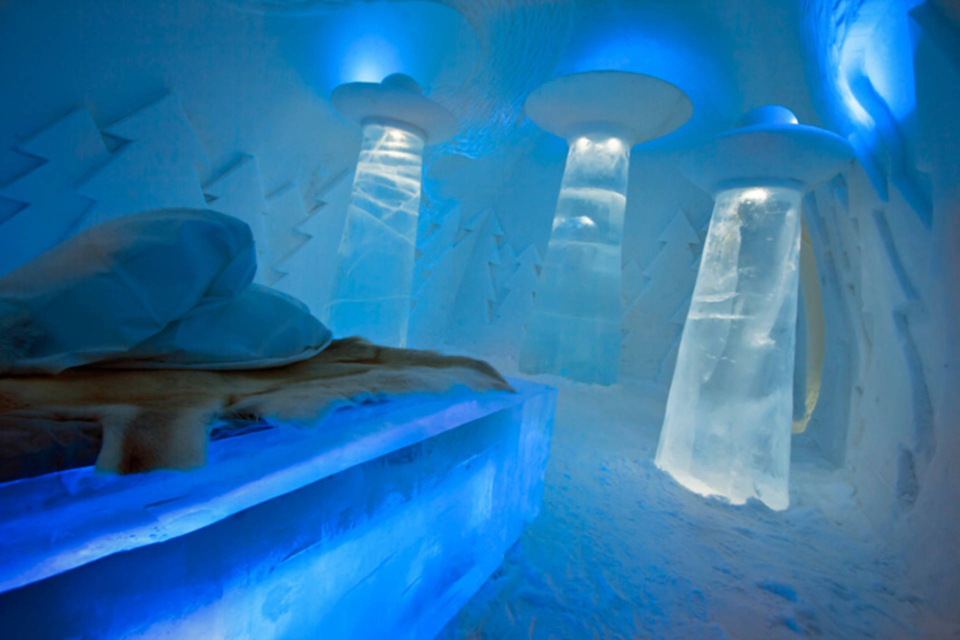 Quot Beam Me Up Quot Room In Ice Hotel By Christian Str 246 Mqvist